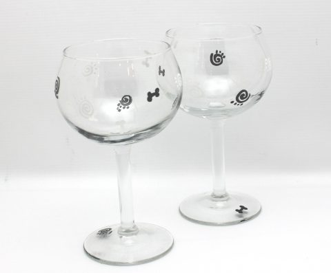 hand painted paw print wine glass
